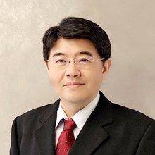 Professor, Li-Wei Wu